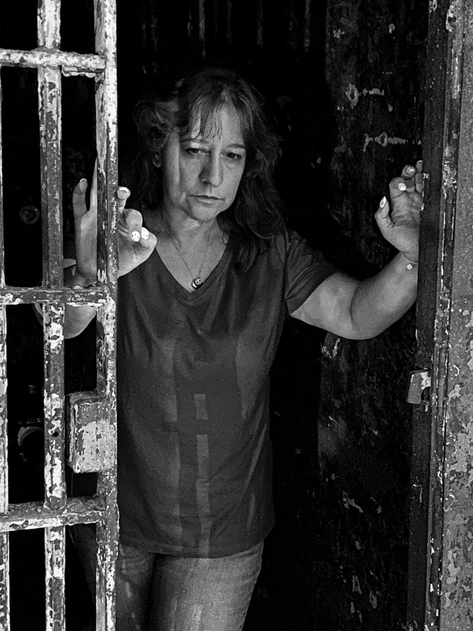 Lisa in prison